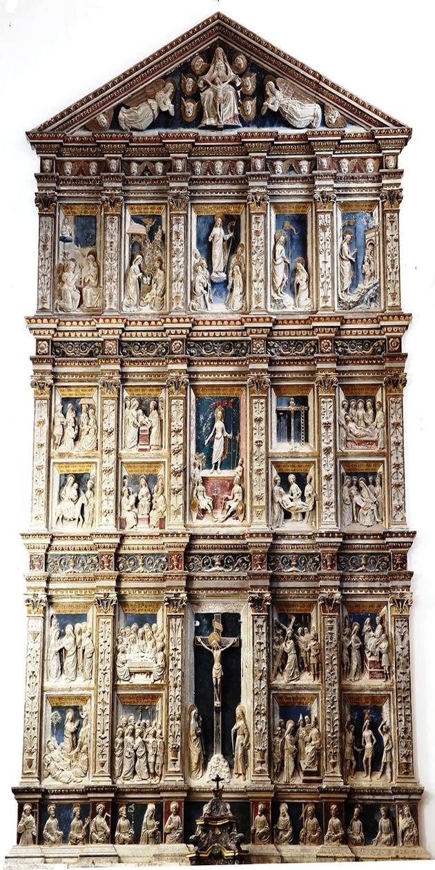 L'immagine mostra l'opera del Gagini nella Chiesa della Santissima Trinità