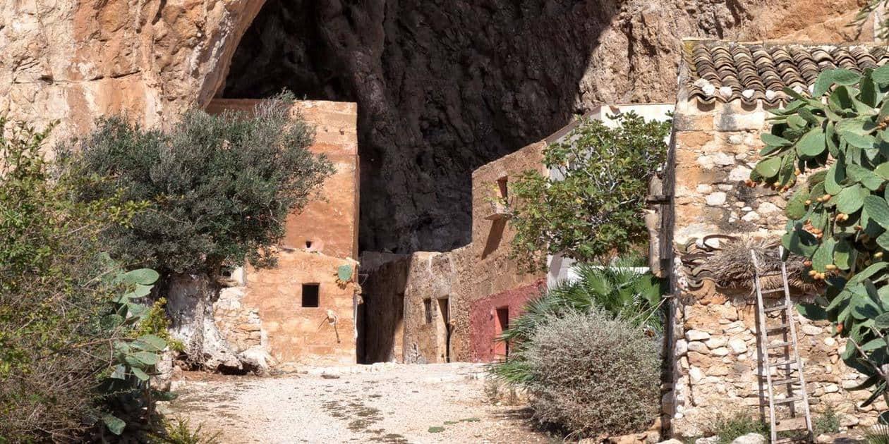 Itinerari turistici archeologici vicino trapani viaggio for Miceli arredamenti